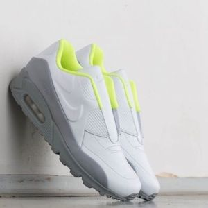 24 HOUR SALE Women's Size 9 Nike Air Max 90 SP